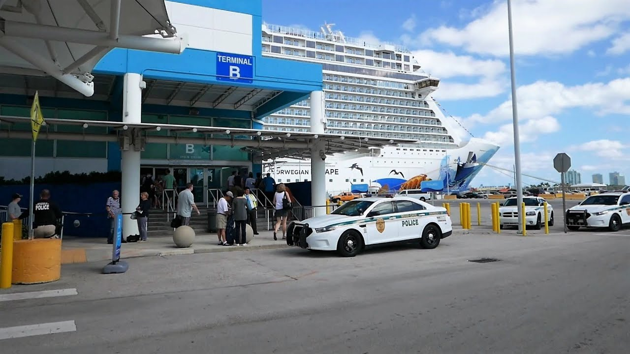 Great Port Of Miami Arrival U0026 Cruise Ship Embarkation Of Norwegian Escape   What  To Expect (HD)