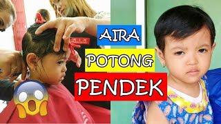 Download Video Potong Rambut Anak Perempuan: RAMBUT AIRA DIPOTONG PENDEK!! MP3 3GP MP4
