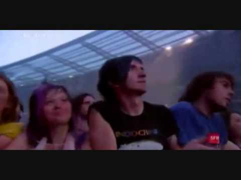''You Spin Me Round'' - Indochine SFR Live Au Stade...
