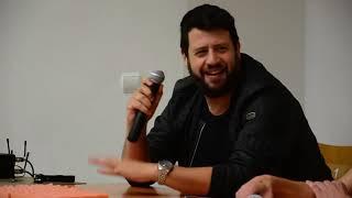 Beszélgetés Puzsér Róberttel a közösségi médiáról...