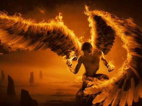 Alas de fuego, tierra santa
