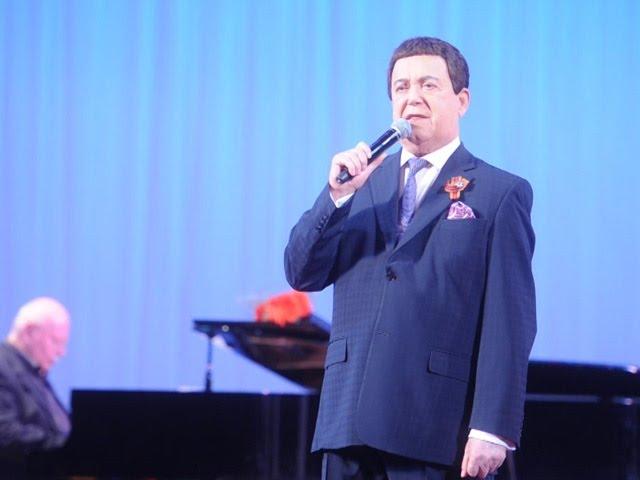 Иосиф КОБЗОН спел в Донецком оперном театре