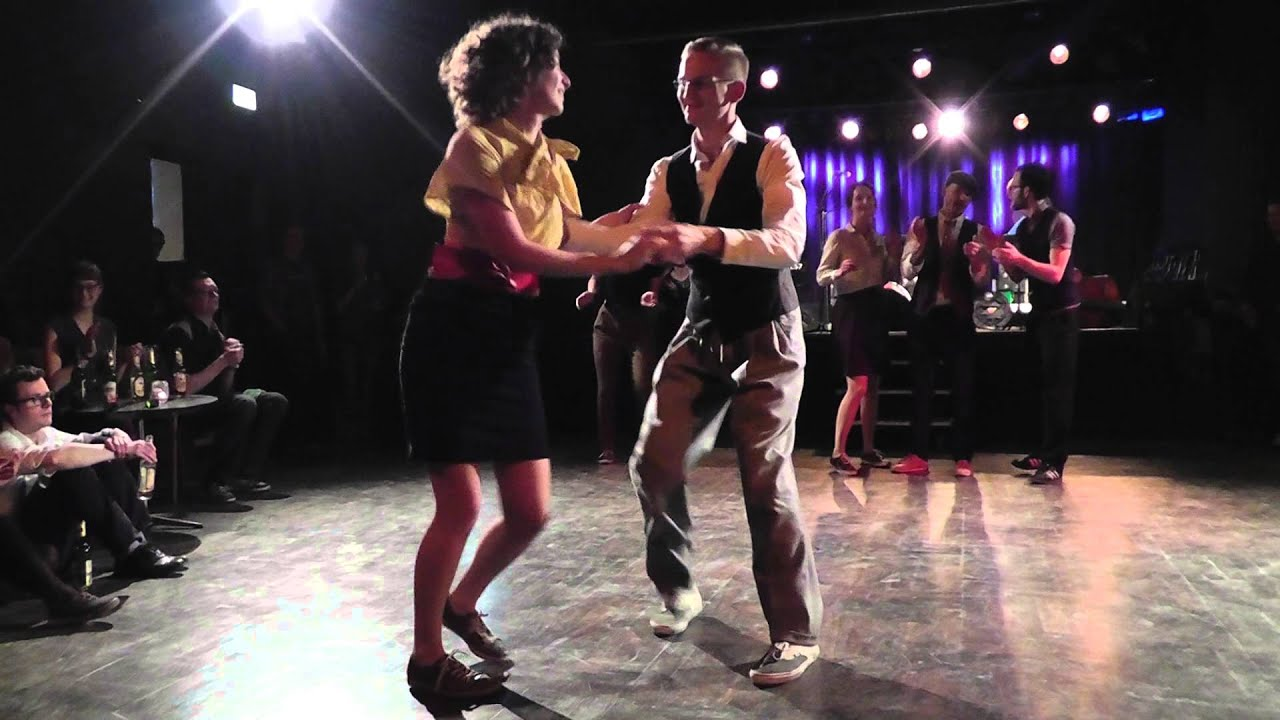 Salsa World A Global Dance in Local Contexts