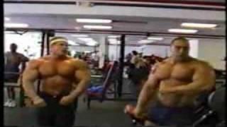 Nasser El Sonbaty and Jay Cutler training and posing 2017 Video