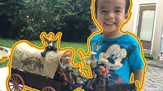 Ковбої проти іграшки грабіжників. #cowboysversusrobbers іграшка
