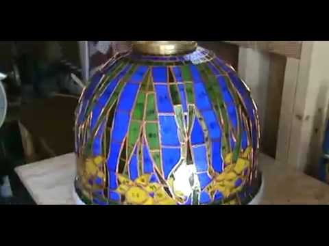 Tiffany stained glass daffodil lamp shade youtube tiffany stained glass daffodil lamp shade mozeypictures Image collections