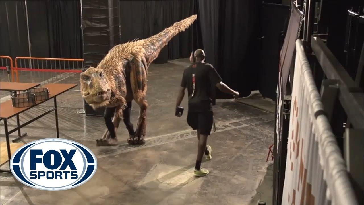 Download Halloween dinosaur shocks Suns' players