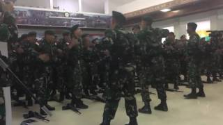 Aksi TNI TENTARA ADU YEL YEL