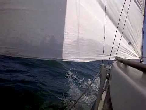Sailing the Tagus river mouth