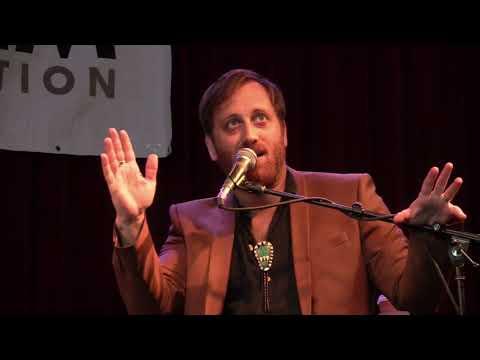 "Dan Auerbach Talks Mark Knopfler & ""Waiting on a Song"""