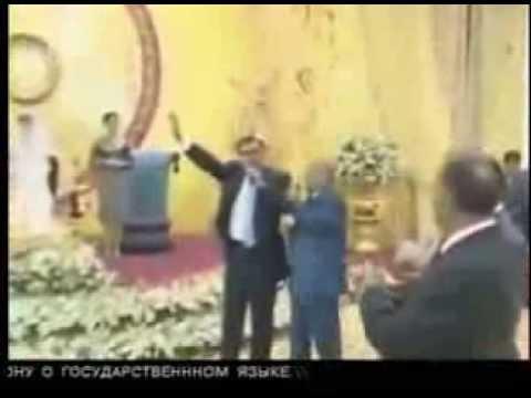 Пьяный Президент Таджикистана поет песню   ЭМОМАЛИ РАХМОН 18