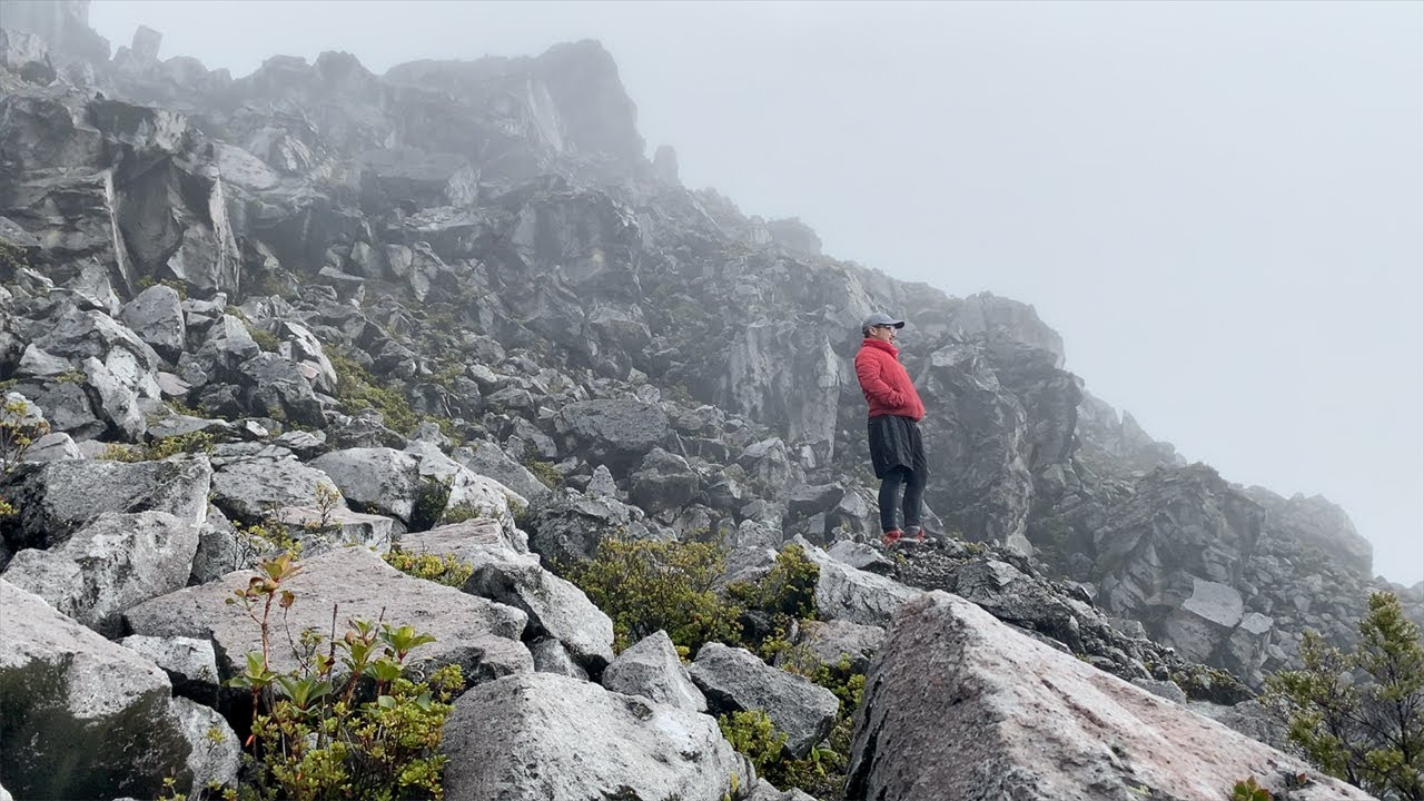 Hiking in the highest mountain of the Philippines I Mt. Apo