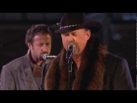 Trace Adkins singing