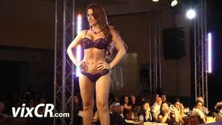 Repeat youtube video Desfile Lingerie_Chamela_F_2012_