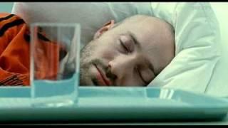 Aaron- Film BERLIN CALLING  en français- avec Paul Kalkbrenner Corinna Harfouch. D: Hannes Stoehr