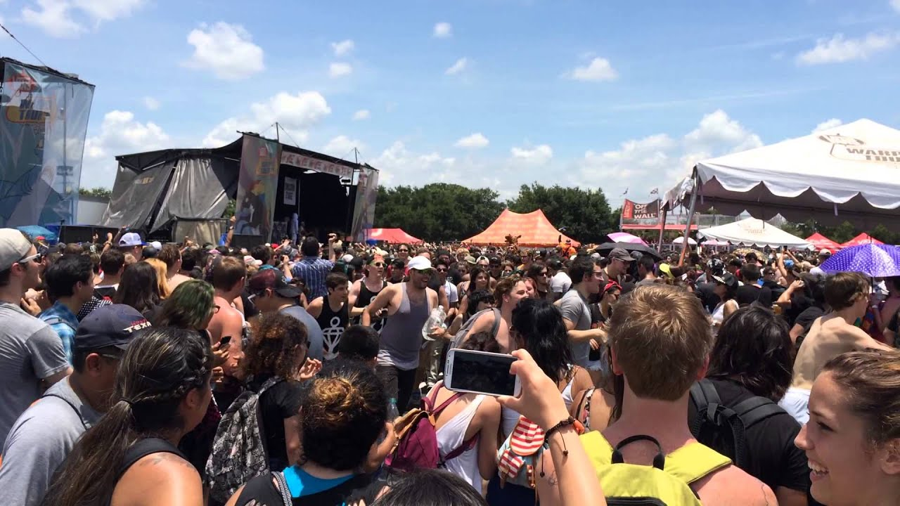Circle Pit at Warped Tour During Attila set in San Antonio ...