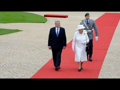 Queen Elizabeth II in Berlin - Schloss Bellevue