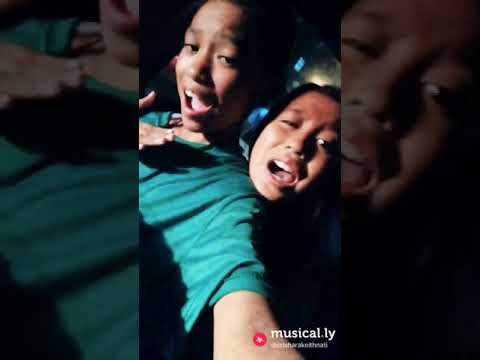 Musically with sis😘