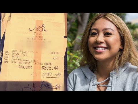 Hawaii Tourists Generously Pay Waitress