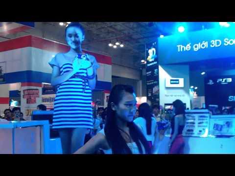 Nguoi mau nhi Bao Tran tai VCW 2011.mp4
