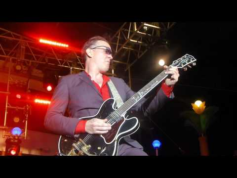 Joe Bonamassa performing Clapton's~Pretendingat the KTBA Cruise 2017