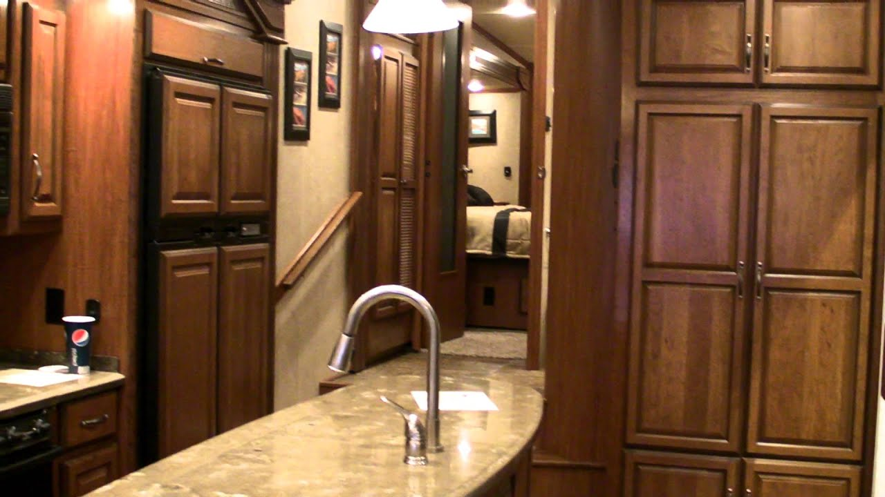 Redwood Fifth Wheel >> Redwood Residential Vehicles by Thor Industries, 5th Wheel ...