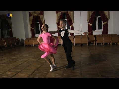Чемпионы Украины по бально-спортивным танцам Давид Комарницкий и Ангелина Черковская   Future UA
