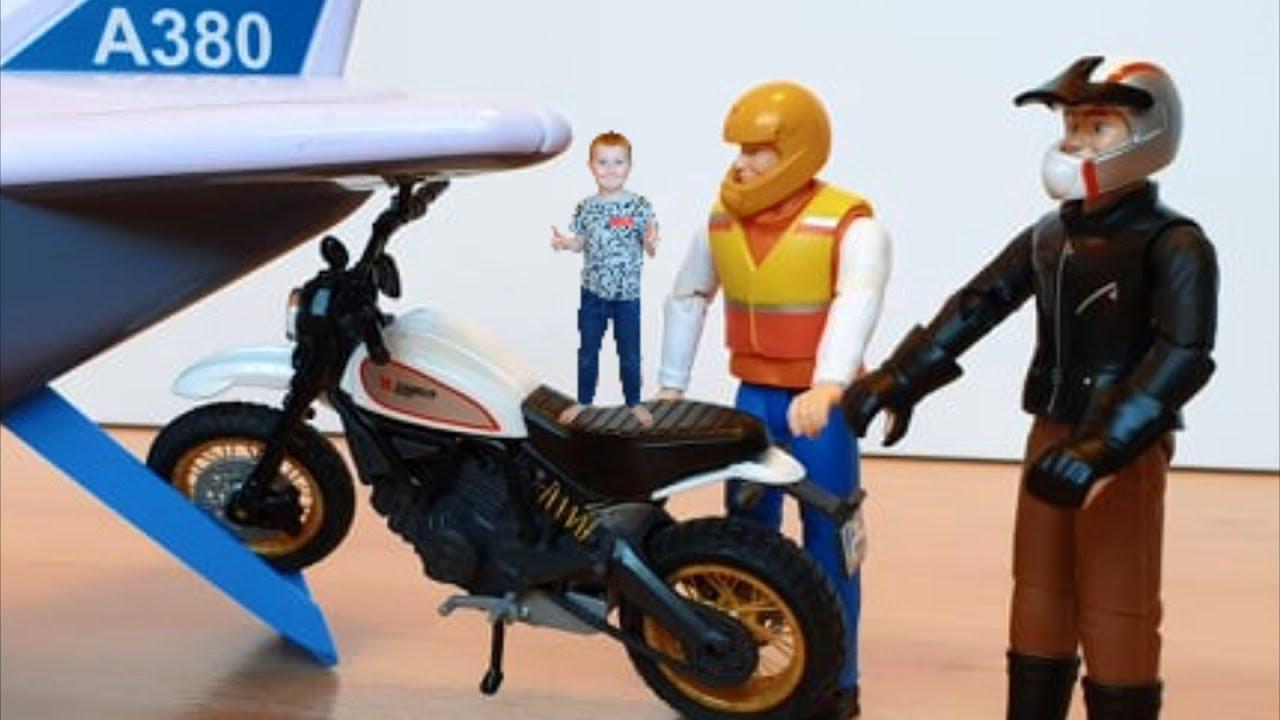 Самолеты мультфильм Грузим мотоцикл и машинки игрушки в ...