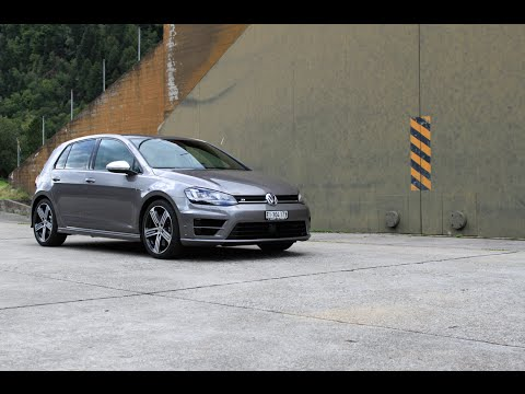VW Golf 7 R 300 hp - Sound, Driving and Acceleration