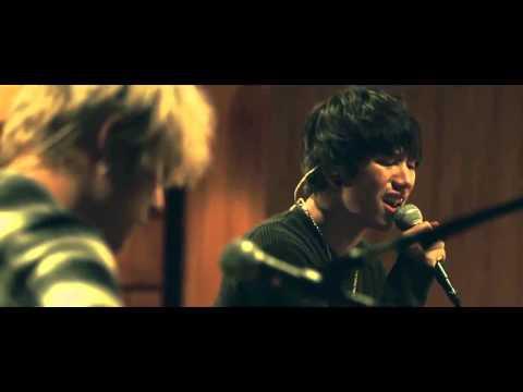 One Ok Rock - Heartache (Rurouni Kenshin OST) (MV)