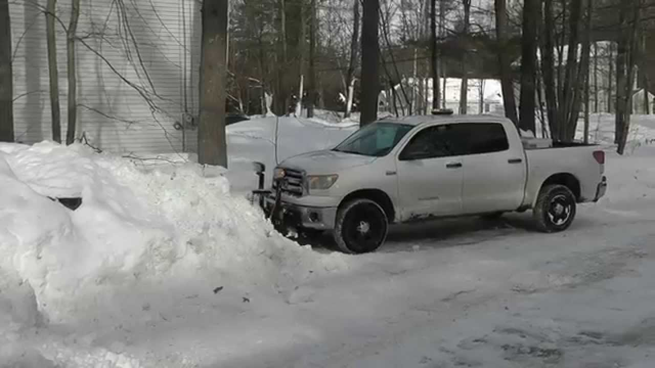 tundra plowing more snow snowdogg md80 youtube rh youtube com toyota tundra snow plow 2007 toyota tundra snow plow