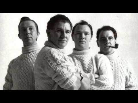 Clancy Brothers & Tommy Makem ~ Tim Finnegan's Wake (Live at Carnegie Hall)