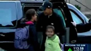 Super Dad Barack Obama Drops His Kids At School