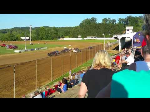 Brownstown Speedway 7-16-2016 Pure Stock Heat Race
