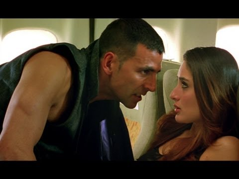 Akshay gets on Kareena have a flight fight |...
