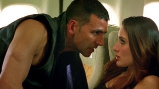 Akshay gets on Kareena have a flight fight | Kambakkht Ishq