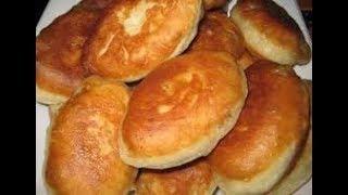 Пирожки с картошкой и капустой жареные на сковороде . fried patties, patties with potatoes