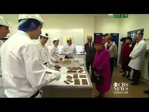 Queen Elizabeth visits Mars chocolate...