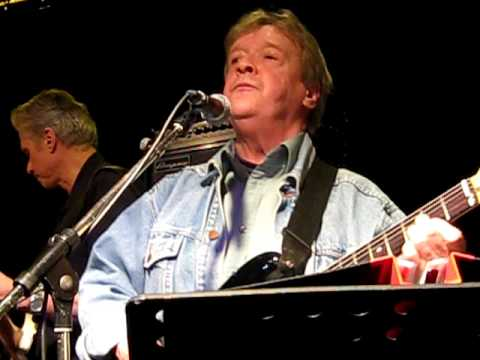 Sean Tyla and Billy Bremner - Knocked Me Over With A Feather - Stockholm Jan 6,  2011