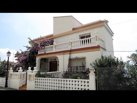 Soportujar. Large House with seven bedrooms and fantastic views.