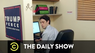 Behind the Scenes at Trump Headquarters - Twitter Trouble: The Daily Show
