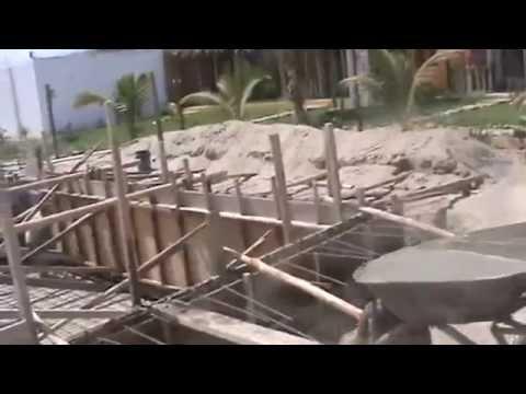 Llenado del encofrado construcci n piscina punta pac fico for Como se hace una piscina de cemento