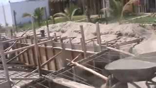 Llenado del encofrado- Construcción Piscina Punta Pacífico Bungalows- Máncora- 1era parte