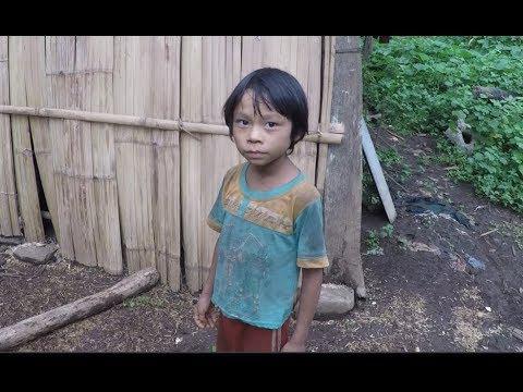 Mang Điều Bất Ngờ Cho Bà Cụ Và Bé Thân | Bà Cụ Nghèo Nhất Việt Nam | đông bắc quê tôi