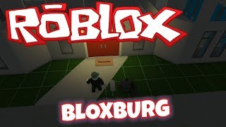BUILDING HOUSES IN BLOXBURG | ROBLOX