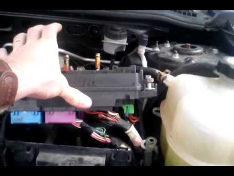 2002 saturn vue in wisconsin fuse box melted youtube Fuse Box On Saturn Vue