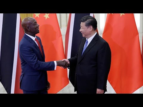 Xi Jinping meets visiting Trinidad and Tobago PM in Beijing