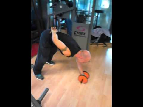 Abs roller 1 hand extreme standing!