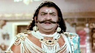 Sampoorna Ramayanam Action Scenes - War Between Ravana