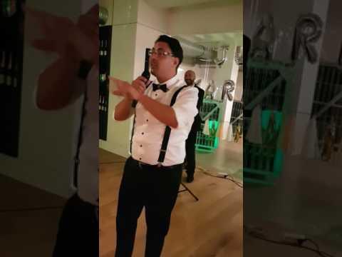Hochzeitsrede wird zu einer Comedyshow